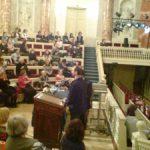 Эрмитажный театр. Георгий Кобиашвили выступает на вечере в честь 100-летия Эролла Флинна