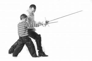 Руслан Каприлов и члены клуба европейского исторического фехтования «Парад - Рипост» на сын Илья. Фотограф Виталий Фёдоров, ALFstudio
