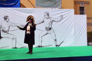 Олег Валерьевич Соколов, основоположник движения военно-исторической реконструкции России, известный как «Сир», выступает на открытии праздника День Фехтовальщика 2017