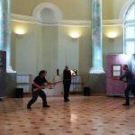 Вернисаж биеннале «Фехтование в искусстве». Выступают Руслан Каприлов, Георгий Кобиашвили и Жан Паскаль Эспарсель. Фото: Елена Давыдова