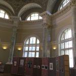 Экспозиция Шестой Санкт-Петербургской биеннале «Фехтование в искусстве» 2019 в БИКЦИМ на Невском, 20