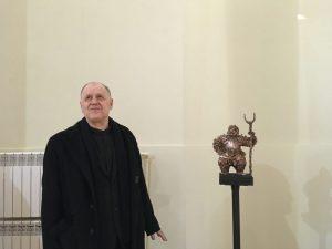 Павел Шевченко и его скульптура на экспозиции Санкт-Петербургской биеннале «Фехтование в искусстве» 2019