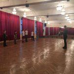 День открытых дверей -2019 в школе «Плащ и шпага». Георгий Кобиашвили проводит разминку.