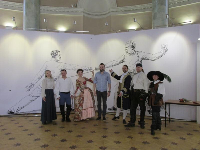 Чествование архитектора Андрея Морозова, чья студия АА сделала оформление выставки оружия