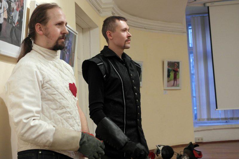 Фехтовальщики клуба ПАРАД-РИПОСТ - Пьер и Виталий Федоров