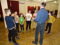 Георгий Кобиашвили проводит викторину по этикету ученикам школы