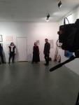 На вернисаже выступает клуб европейского исторического фехтования
