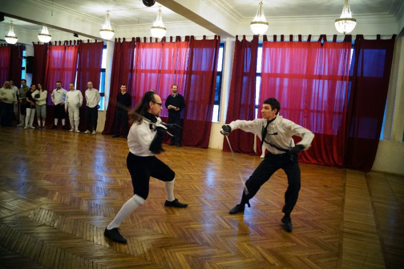 Показательные выступления фехтовальщиков. Студия европейского исторического фехтования «Силуэт». Руководитель Артем Шабанов.