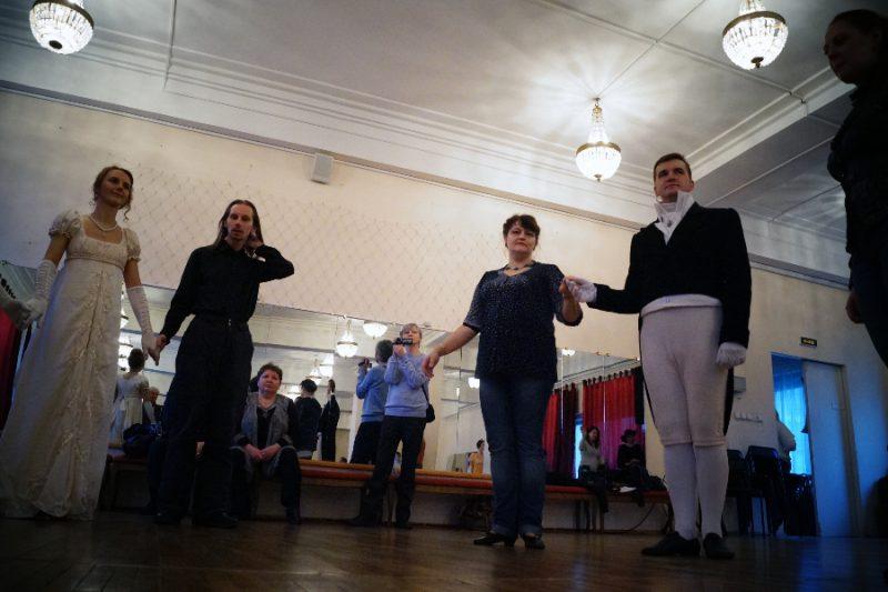 Алена Карпова на мастер-классе Пушкинской студии старинных танцев