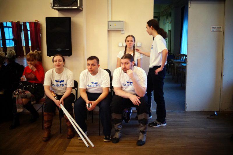 Творческая группа СКИУРУС предлагает заниматься фехтованием на безопасном оружии