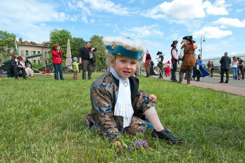 25 Настя Кандат, победительница конкурса детских костюмов на празднике ДЕНЬ ФЕХТОВАЛЬЩИКА 2012