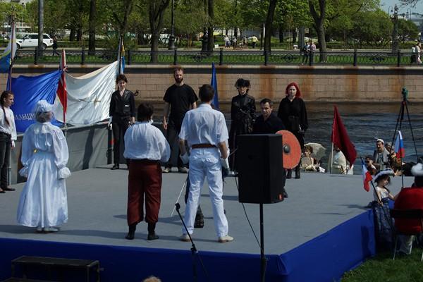 Кутузов и Наполеон инграют в шахматы. Клуб ПАРАД-РИПОСТ и СПбФК. Белые начинают - французская армия.