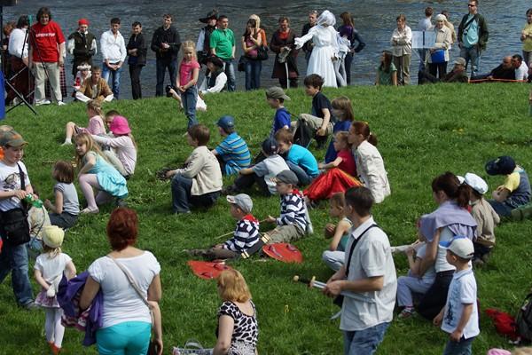 Единственный в мире праздник День Фехтовальщика в Петербурге. Зрители и участники