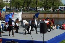 Выступает Студия европейского историко-сценического фехтования «СИЛУЭТ», руководитель Артём Шабанов