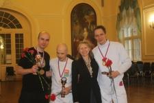 Победители Турнира 2014 с Алиной Туляковой (Алонсо), председателем СПб Фехтовального Клуба. Фото: Руслан Каприлов