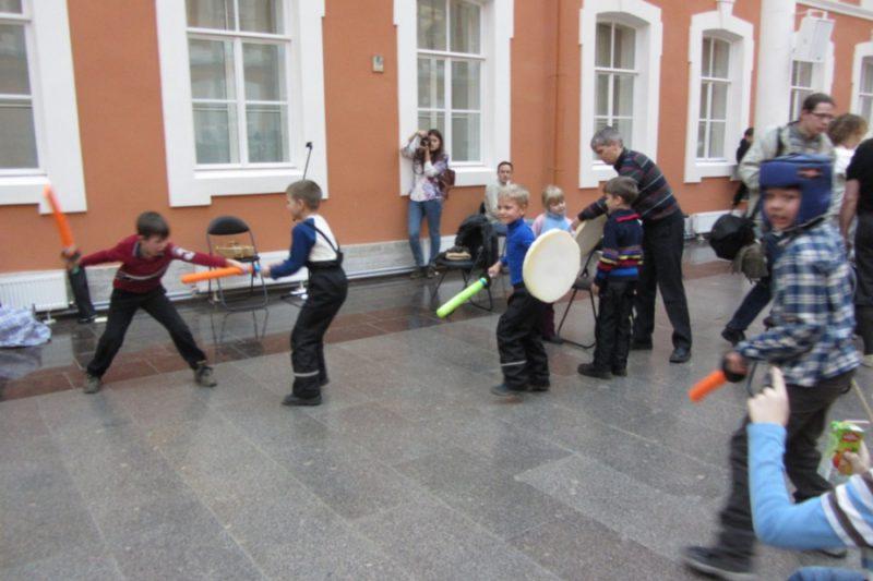 8. Детская площадка организована Николаем Прокопьевым