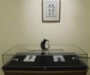 Монтаж выставки. Работа скульптора Нины Спивак в ожидании отправки на экспозицию