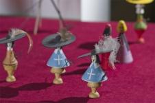 Вандышев Павел «Три мушкетера» 10х5х5 ,«Кардинал и миледи» 10х5х5 , «Дон Кихот» 20х17х5,«Кот в сапогах», 1975. Точеное дерево, роспись. 13х5х5
