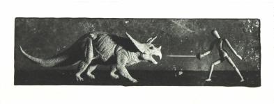 Провоторов Дмитрий «Битва с динозавром»,2011. Бромосеребряная фотография, авторская печать.6х19