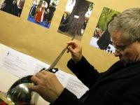 Автор выставки Михаил Шеремет с дагой