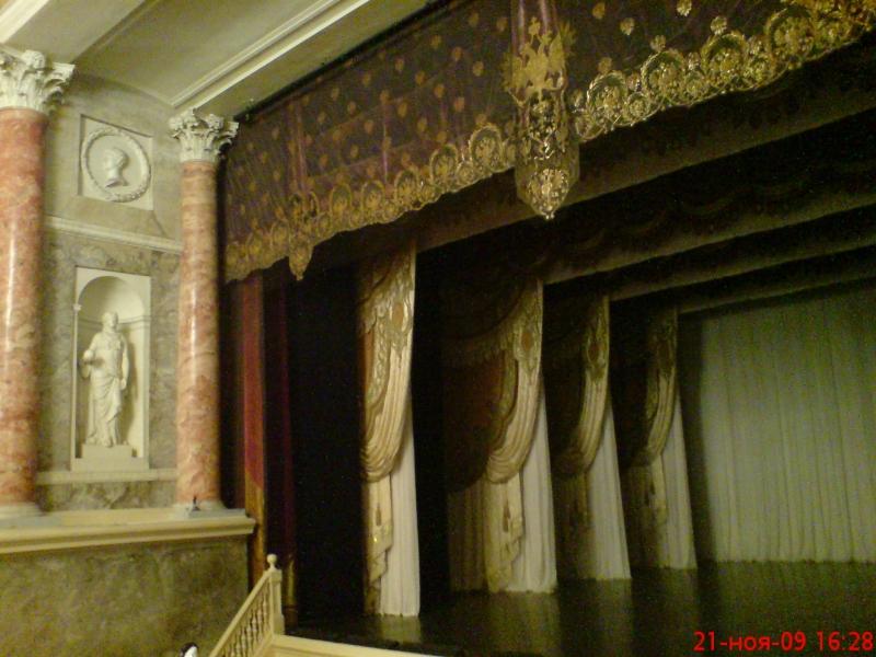 Здание Эрмитажного театра построено для Екатерины II по проекту Джакомо Кваренги в 1783-1787гг.