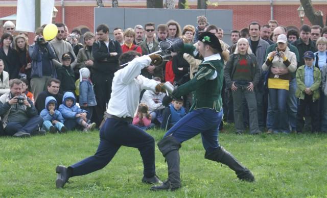 Руслан Каприлов и Пьер(Игорь Муравье) - справа