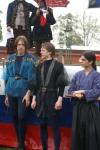 Ведущие представляют выступавших фехтовальщиков