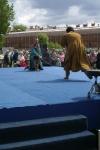 Фехтуют ведущие праздника День Фехтовальщика