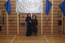 Справа - Галина Рубцова, со своей старинной приятельницей